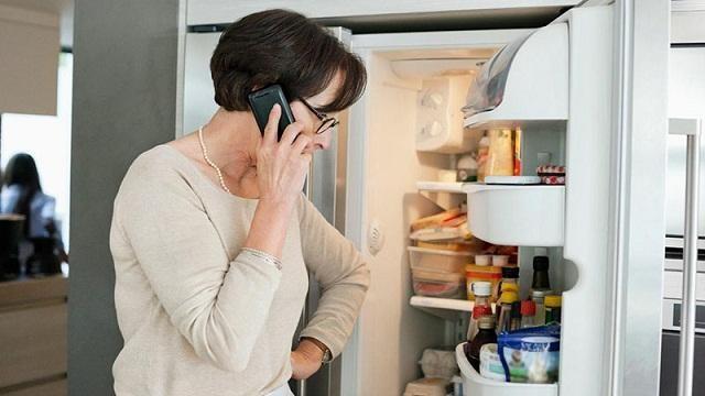 Khi sử dụng tủ lạnh trong một thời gian dài không thể tránh được tình trạng tủ lạnh hư hỏng .