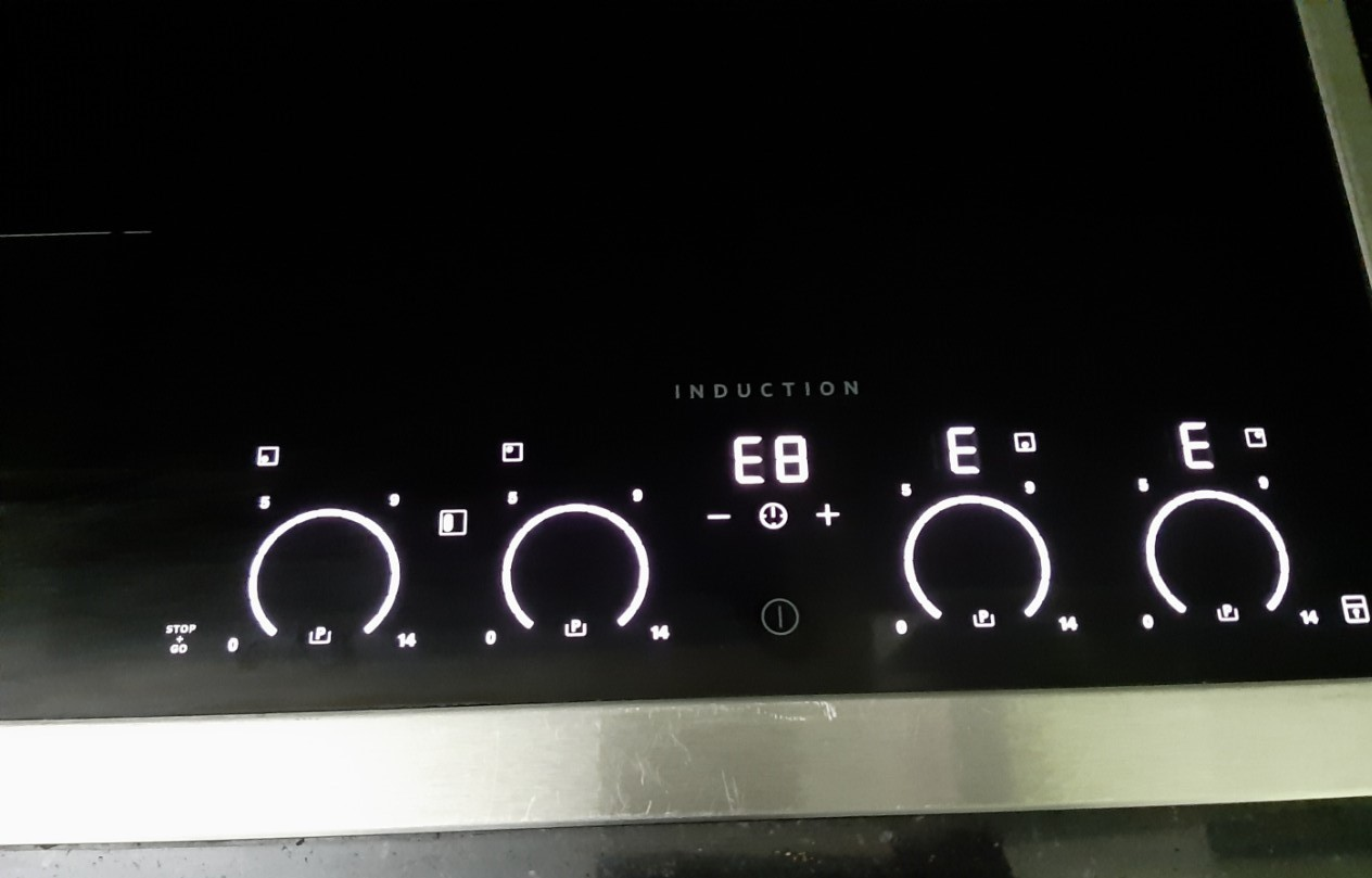 Sửa bếp từ AEG lỗi E8 thế nào?
