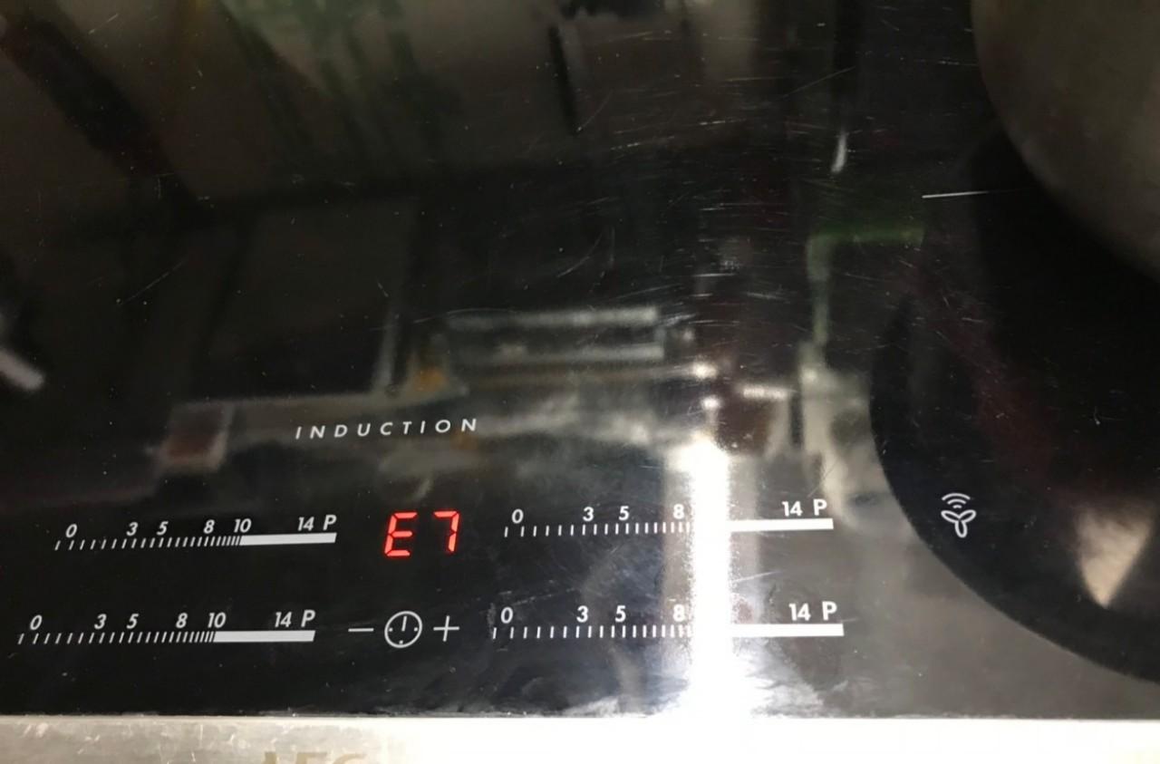 Nguyên nhân làm bếp từ Electrolux lỗi E7